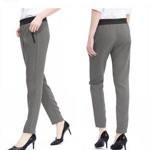 Banana Republic Gray Drapey trouser pants size 10